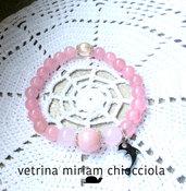 Bracciale con perle di quarzo e charms ( delfino)