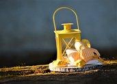 Centrotavola primavera lanterna gialla