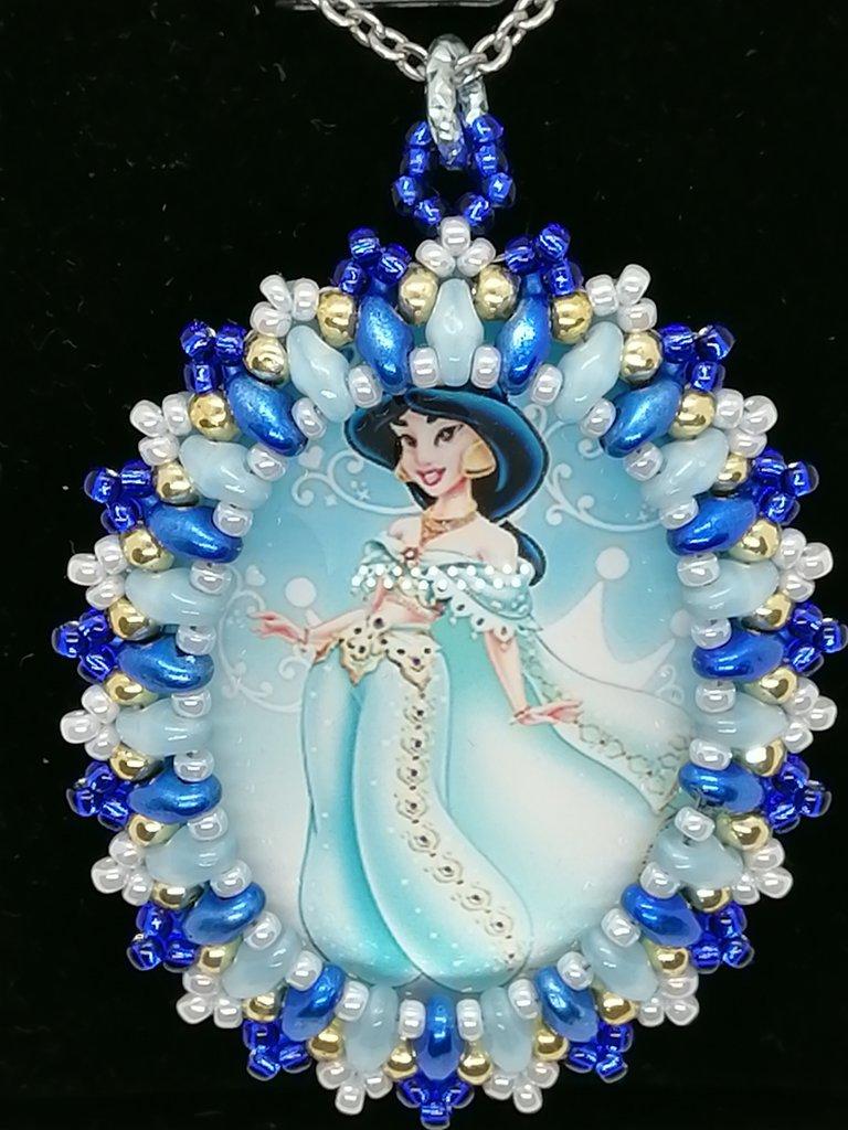 JASMIN, ALADDIN,, ciondolo,pendente,collana personaggi cartoni animati, Principesse, Cabochon in vetro 30x40mm incastonato a mano