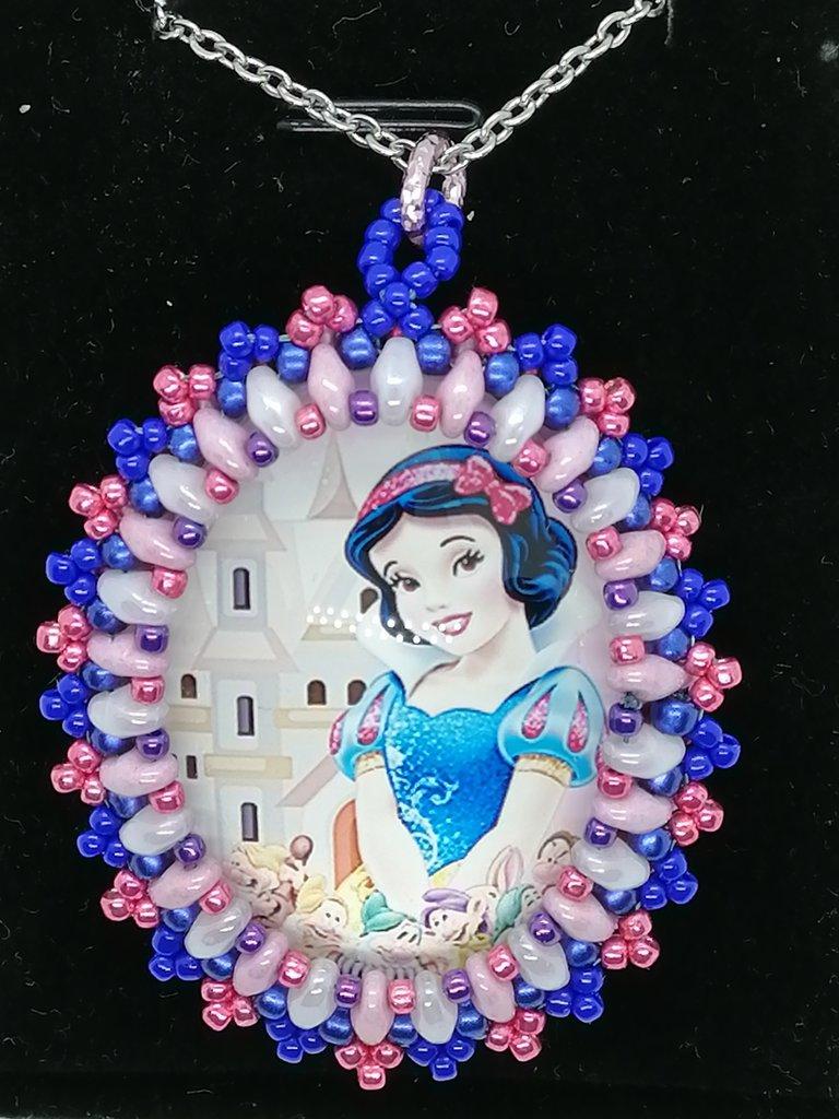 BIANCANEVE E I SETTE NANI, ciondolo,pendente,collana personaggi cartoni animati, Principesse, Cabochon in vetro 30x40mm incastonato a mano