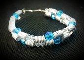 Bracciale in filo di alluminio e perle sfaccettate azzurre e trasparenti - MOLLA AZZURRA