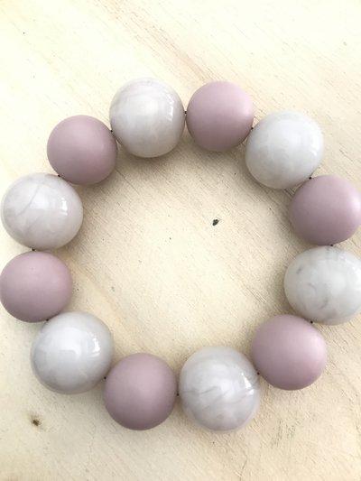 Bracciale con perle rosa antico e bianco perlaceo