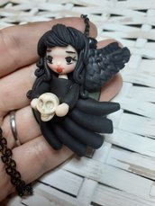 Angelo nero, doll in fimo, collana con bambolina in fimo