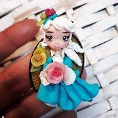 bambolina in fimo, damina dell'Ottocento, collana con mini-doll. Su ordinazione