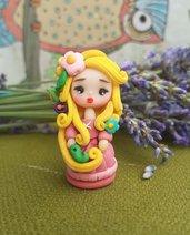 Rapunzel dollina in fimo, mini bambolina principessa