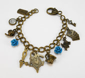 Bracciale charms Alice in Wonderland rose azzurre stile vintage