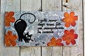 Targhetta in legno fiori arancio con gatto 13x25cm
