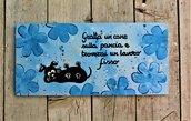 Targhetta in legno fiori blu con cane 13x25cm