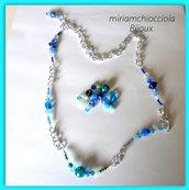 collana lunga con perle, cristalli, catena sui toni dell'azzurro/verde acqua marina