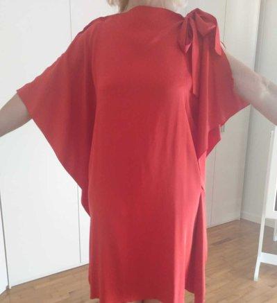 Vestito rosso di tessuto
