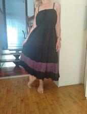 vestito nero e lilla