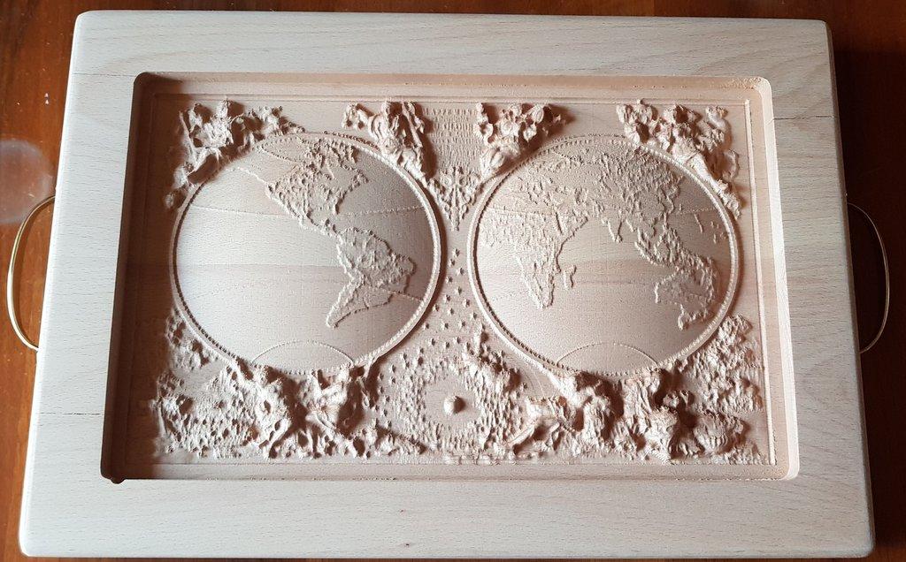 Tagliere inciso su legno