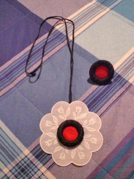 collana fiore bianco ed anello (n°585)