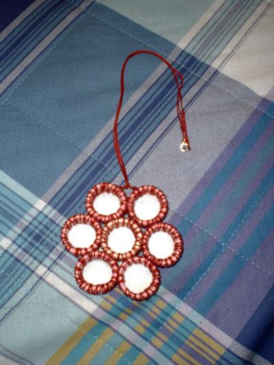 collana con ciondolo di fiore rosso (n°578/579)