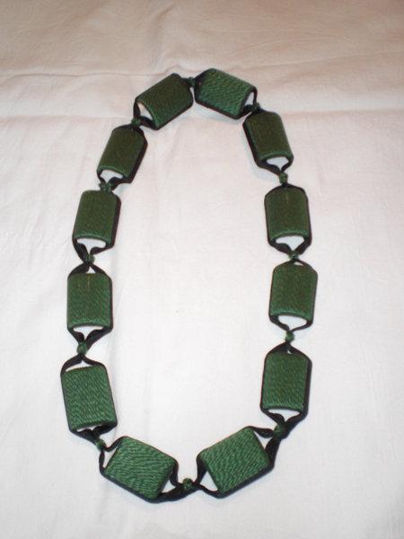 collana di cotone verde e nastro nero (n°568)