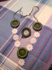 collana ed anello cotone e pizzo plastificato (n°584)