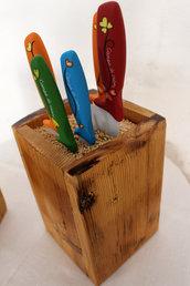Ceppo per coltelli universale in legno naturale