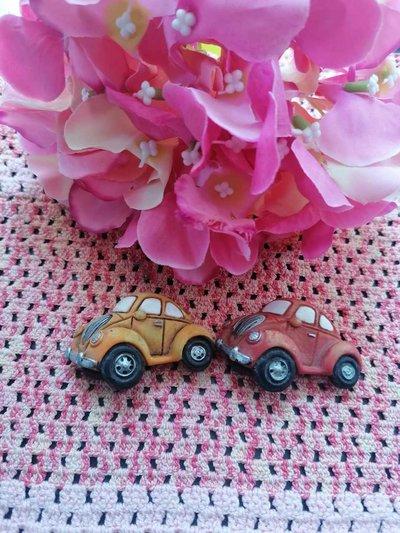 Maggiolino auto in resina , 2 pezzi