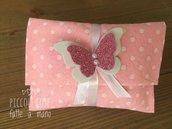 Bustina portaconfetti in feltro con farfalla in gomma crepla