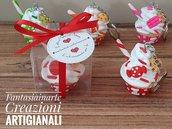 Bomboniera Portachiavi Cupcake colori misti complete di scatolino