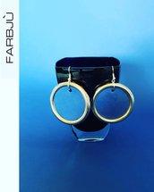 Orecchini pendenti rotondi in cartoncino blu e cerchio argentato