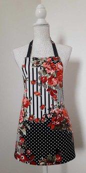 Grembiule da cucina donna fantasia rose rosse righe e pois bianchi e neri