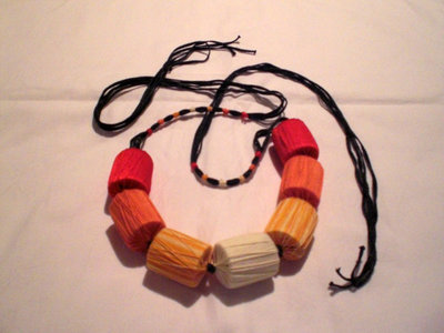 collana cotone rossa arancio gialla (n°553)