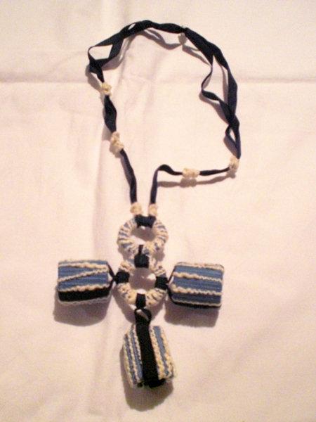 collana di cotone e nastri (n°557)