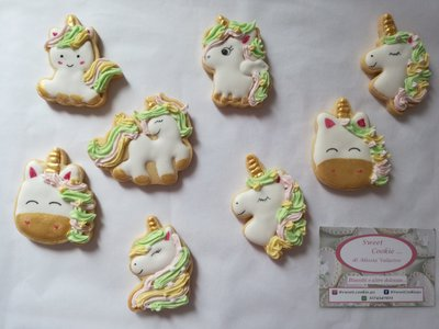 Unicorno decorato in ghiaccia reale festa a tema gadget sweet table compleanno bambini