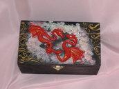 scatola draghi rossi