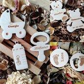 Bomboniere in legno personalizzabili applicazione biberon carrozzina orsetto per sacchettini o segnaposto