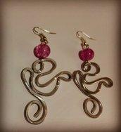 Orecchini wire e perle rosa