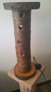 Lampada in legno a tronco