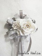 Composizione floreale decorazione a parete fuori porta composizione doni e bomboniere occasioni speciali miss hobby regalo mamma romantico etereo cuore vimini