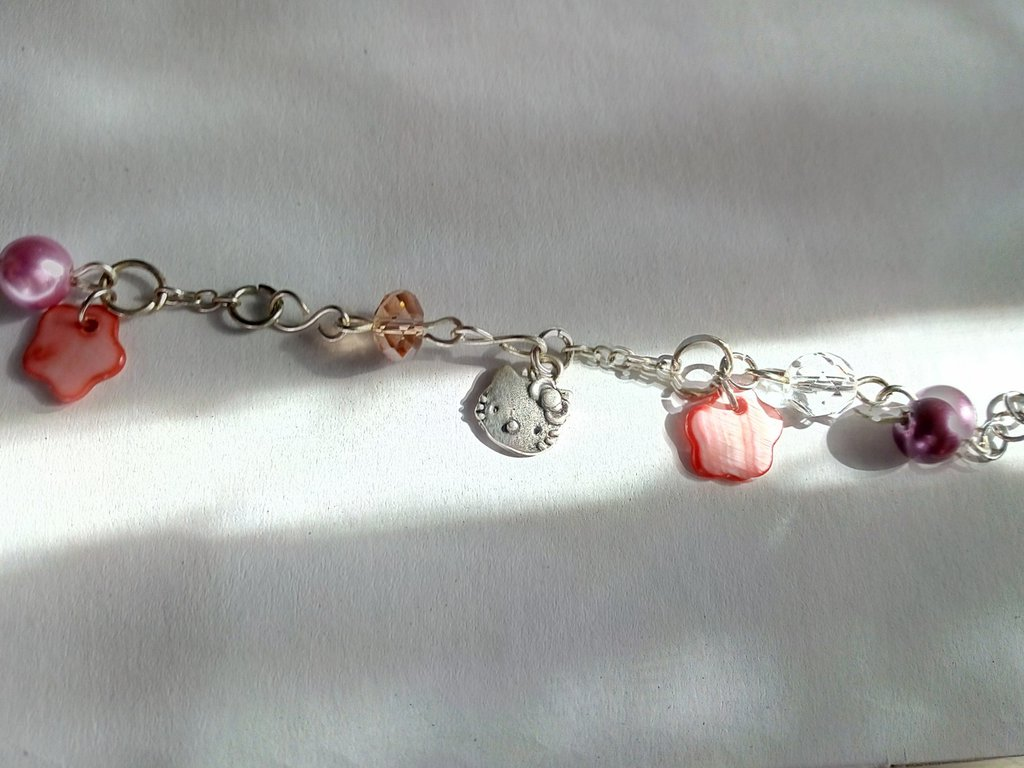 "Bracciale con ""Hello kitty"""