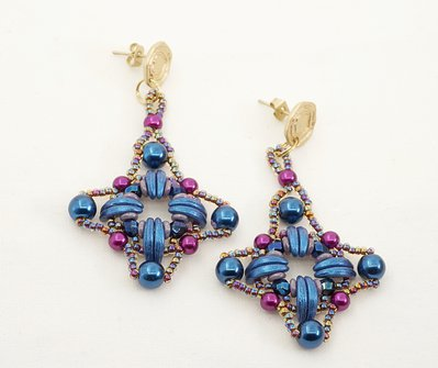 orecchini pendenti blu lunghi  a lobo tessitura di perline