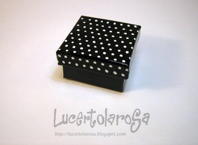 Scatolina a pois/ polka dots box