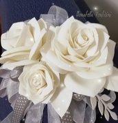 Composizione floreale decorazione a parete fuori porta composizione doni e bomboniere occasioni speciali miss hobby regalo mamma romantico etereo cuore vimini sposi