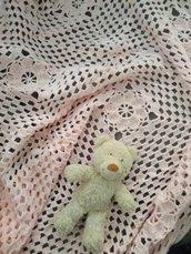 Coperta uncinetto lettino - Granny square  - Copertina rosa fatta a mano - coperta per letto - cameretta bambina - copertina shabby chic