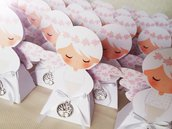 Bomboniera portaconfetti completo a forma di angelo bimba con ciondolo albero della vita