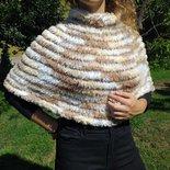 Mantellina in lana pelliccia lavorato ai ferri / poncho donna ecopelliccia