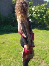 Sciarpa con le tasche in lana / stola con rifiniture all'uncinetto