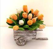 Carrettino con mini tulipani in amigurumi