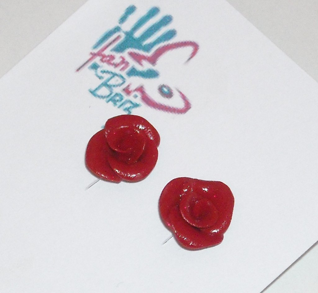 Orecchini rose rosse