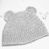 Cappellino coniglietto  in lana realizzato ad uncinetto neonato