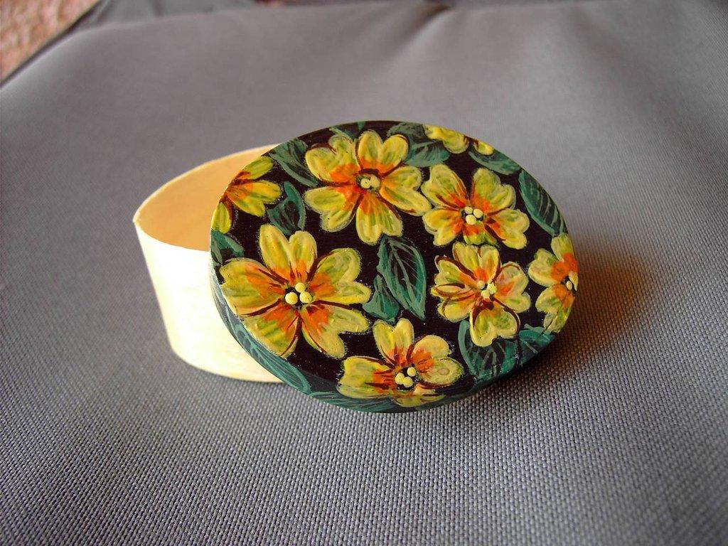 Fiori in scatola/gialli
