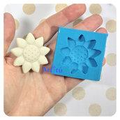 Stampo in silicone girasole per decorazioni bomboniere battesimo nascita gessetti profumati per resina pasta di mais