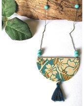 Collana lunga fatta a mano con carta chyogami