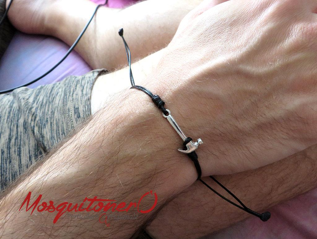 Bracciale a martello, bracciale da uomo, fascino a martello d'argento, corda nero, regalo per lui, braccialetto tuttofare