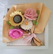 Quadro con bouquet in feltro